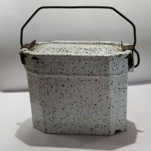 Vtg French Graniteware splatter enamel lunchbox